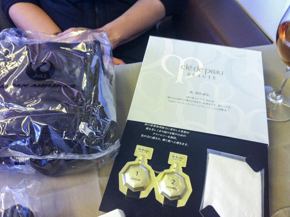 JAL First Women's Cle De Peau Beaute kit